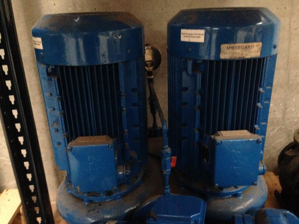Bomba centrífuga gemela - Orlando Fernandez S L  - Instalación y Reparación  de maquinaria de climatización y frío industrial aplicado a la Enología